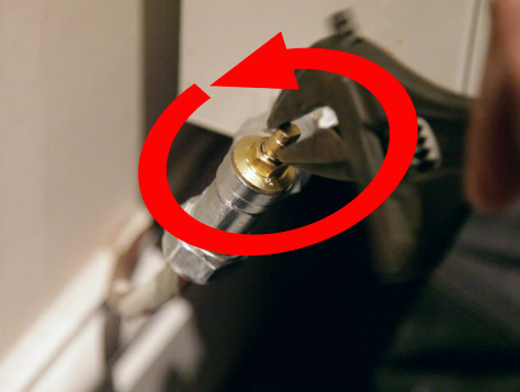 Turn off a lockshield valve